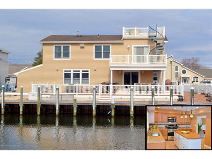 828 Windward Dr, Forked River, NJ 08731