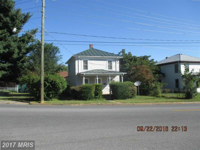 105 6TH ST, Front Royal, VA 22630