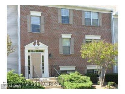 3905 GOLF TEE CT #202 Fairfax, VA MLS# FX8376390