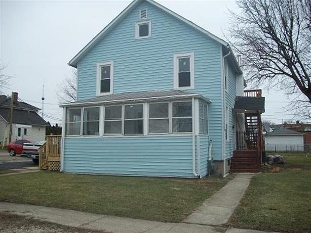 121 S Sixth Street, Rochelle, IL 61068