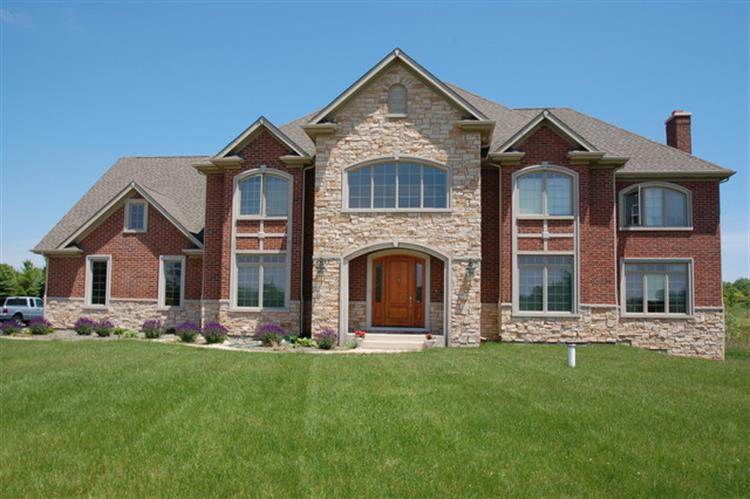 126 GOVERNORS Court, Hawthorn Woods, IL 60047