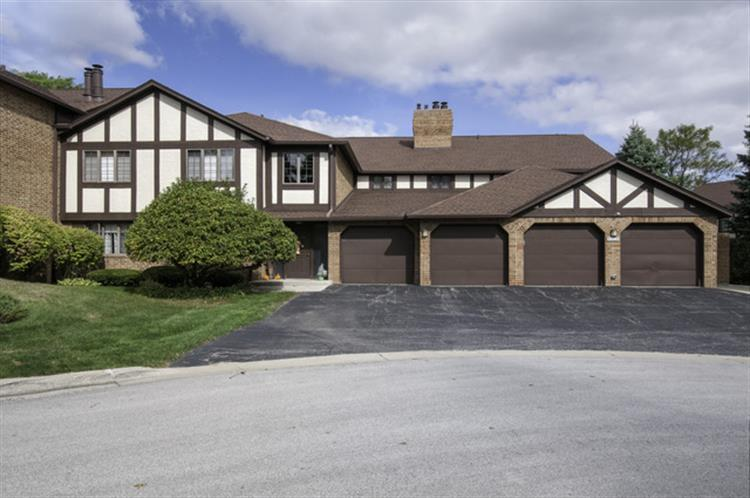 7704 W Oak Ridge Court, Palos Heights, IL