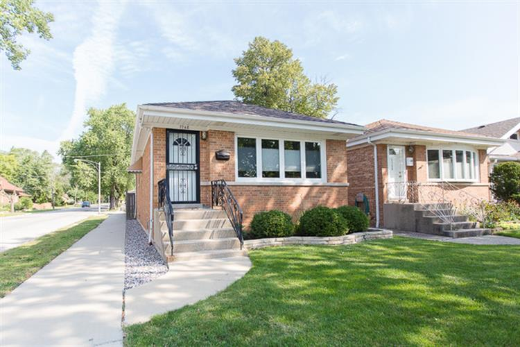 7768 W North Shore Avenue, Chicago, IL 60631
