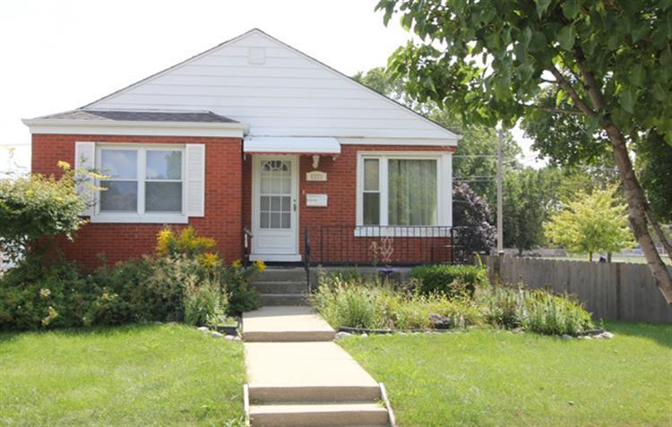 8723 Fullerton Ave, River Grove, IL 60171