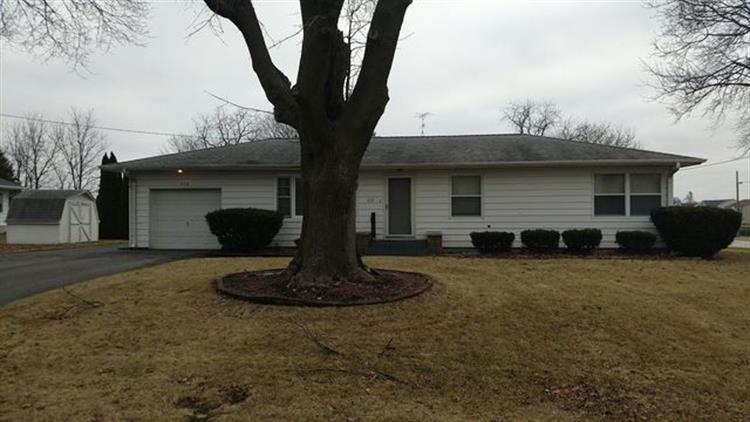 310 N Oak St, Waterman, IL 60556