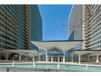 3550 N Lake Shore Drive, Chicago, IL