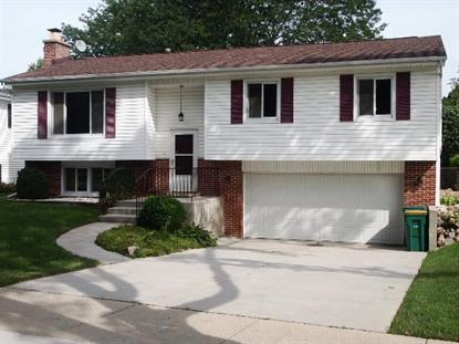 39 Chevy Chase Dr, Buffalo Grove, IL 60089