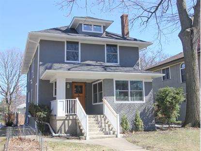 824 N Elmwood Ave, Oak Park, IL 60302