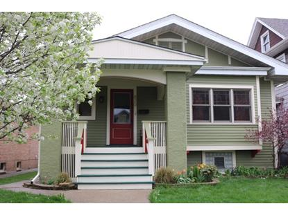 820 S Ridgeland Ave, Oak Park, IL 60304