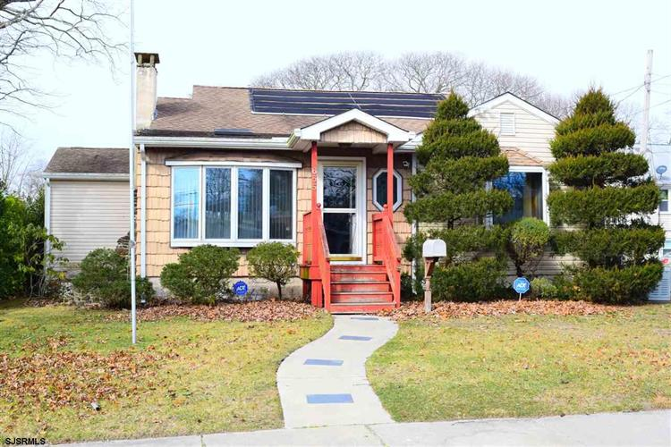 655 3rd St, Somers Point, NJ 08244