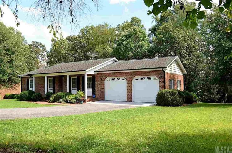 137 15th Ave Nw, Taylorsville, NC 28681