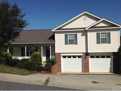 245 18th Ave SE, Hickory, NC 28602