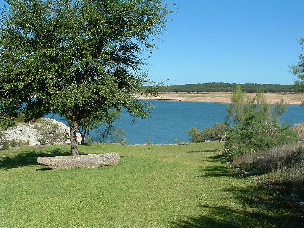 5018 green shore lago vista tx 78645 mls 96820964 for Lago vista