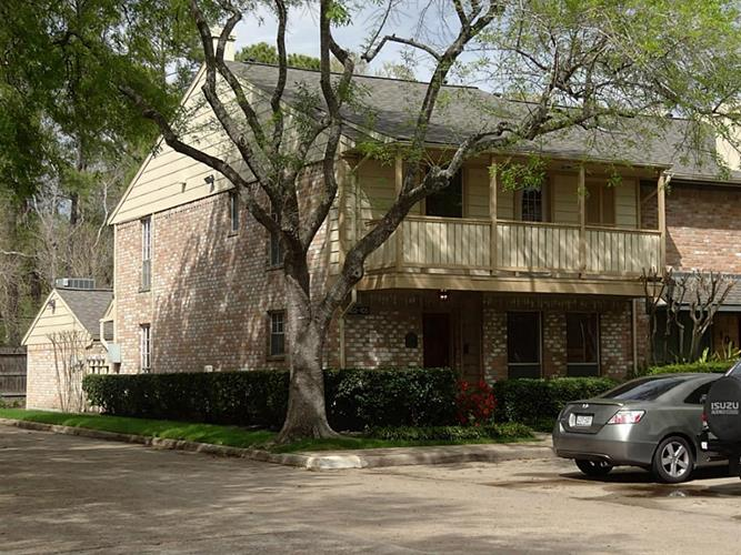 727 Bunker Hill Road, Houston, TX 77024