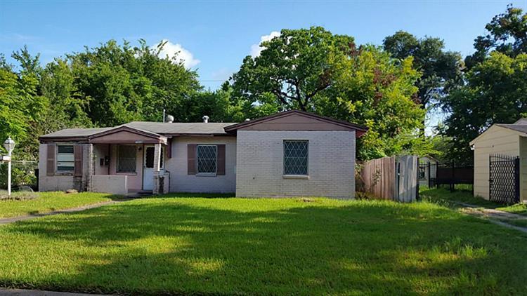 7505 Moline St, Houston, TX 77087