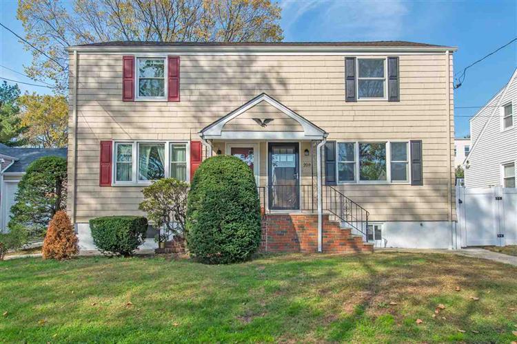 209 Ivy St, Kearny, NJ 07032