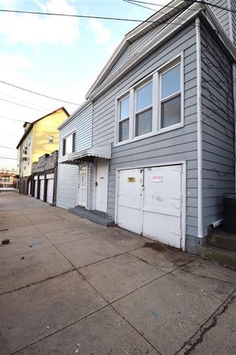 48a East 28th St, Bayonne, NJ - USA (photo 1)