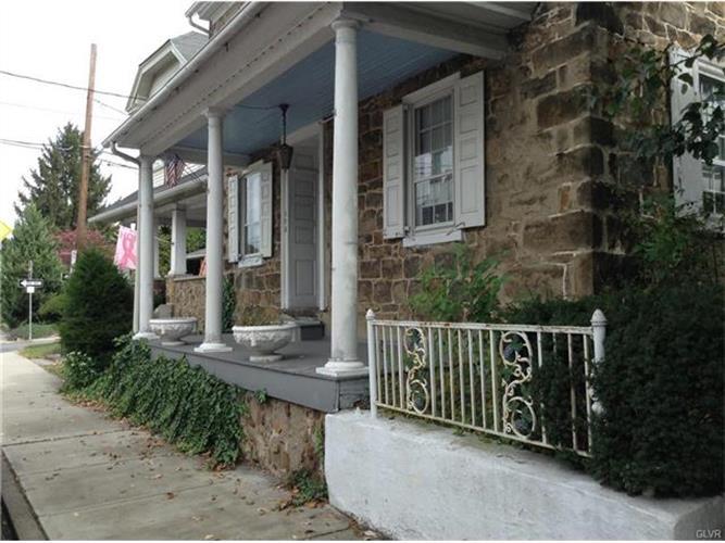 173 Main St, Hellertown, PA 18055