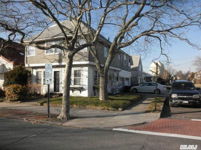 108 Lido Blvd, Point Lookout, NY