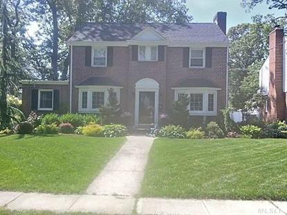 15 Chelsea Ct, Freeport, NY