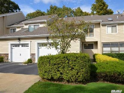 19 Villas Cir Melville, NY MLS# 2666290