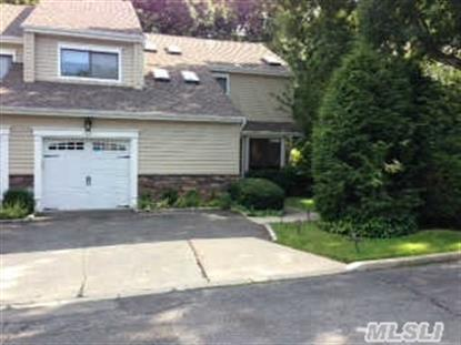 8 Villas Cir Melville, NY MLS# 2685370