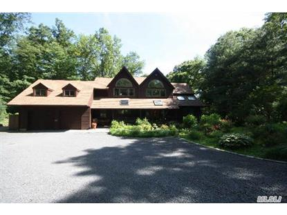 14 Bartlett Pl Huntington, NY MLS# 2689456