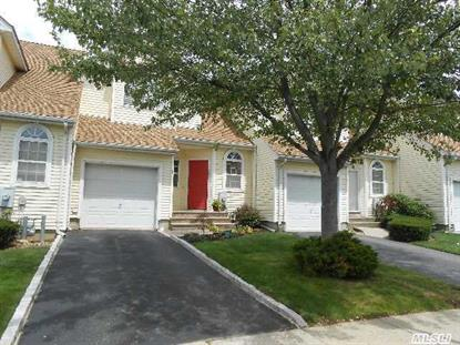 9 Apricot Ct Melville, NY MLS# 2693282