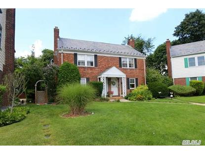 27 Bayview Ct Manhasset, NY MLS# 2696882