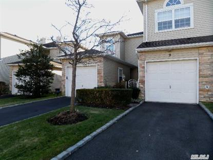 9 Windwatch Dr Hauppauge, NY MLS# 2726504