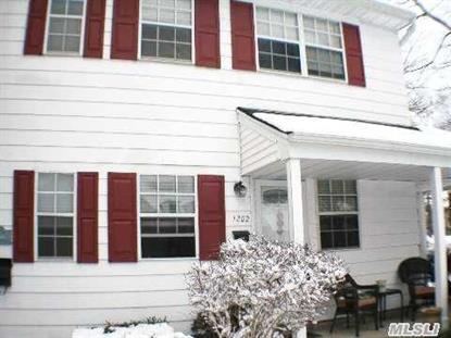 1202 Towne House Hauppauge, NY MLS# 2746115