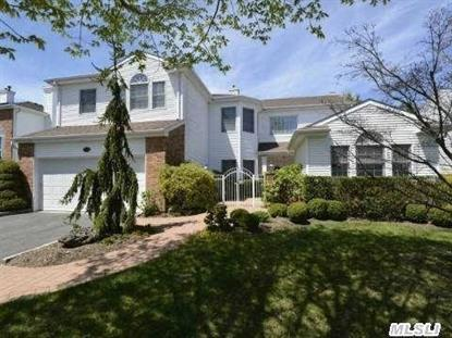 154 Country Club Dr Commack, NY MLS# 2763317