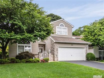 212 Windwatch Dr Hauppauge, NY MLS# 2781097