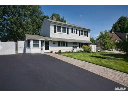 126 Sprucewood Dr Levittown, NY MLS# 2781152