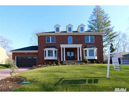 84 Parkview Dr Albertson, NY MLS# 2819041