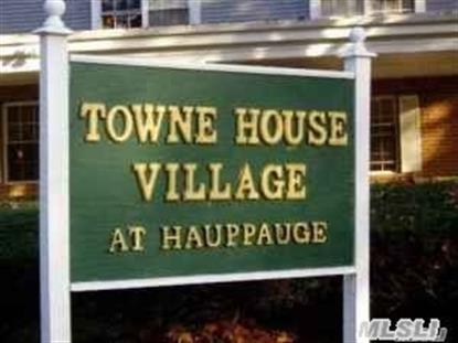 1009 Towne House Vill Dr Hauppauge, NY MLS# 2828828