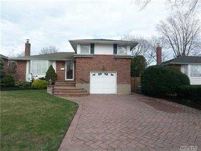 122 Beverly Pl Levittown, NY MLS# 2843548