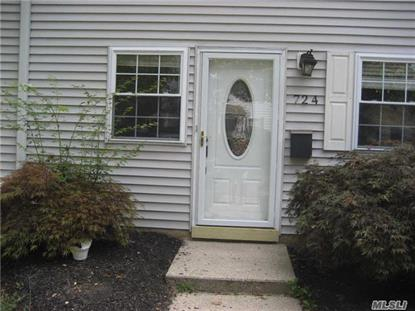 724 Towne House Vlg Hauppauge, NY MLS# 2877340