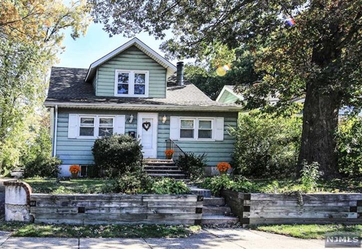 153 Prospect Ave, Dumont, NJ