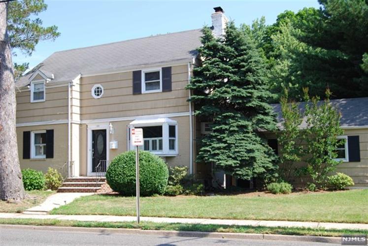 121 Chadwick Rd, Teaneck, NJ - USA (photo 1)