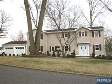 606 Woodland Ave, Northvale, NJ 07647