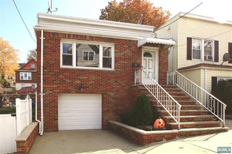 7400 Cottage Ave, North Bergen, NJ 07047