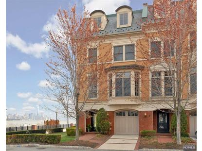 5 CARLYLE CT Weehawken, NJ MLS# 1416507