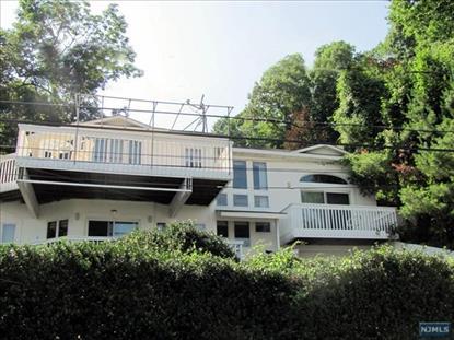 Real Estate for Sale, ListingId: 36081338, Edgewater,NJ07020