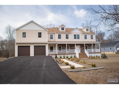 81 Pier Ln Fairfield, NJ MLS# 1606494