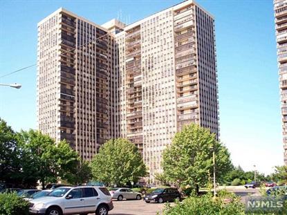 300 Winston Dr, Cliffside Park, NJ 07010