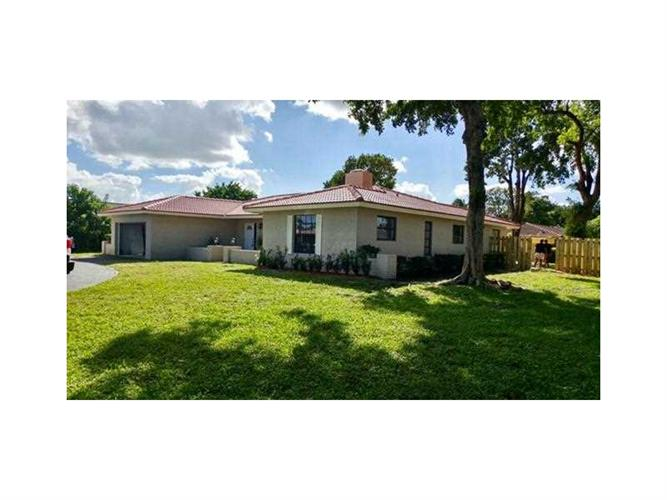 284 NW 92nd Ave, Coral Springs, FL 33071