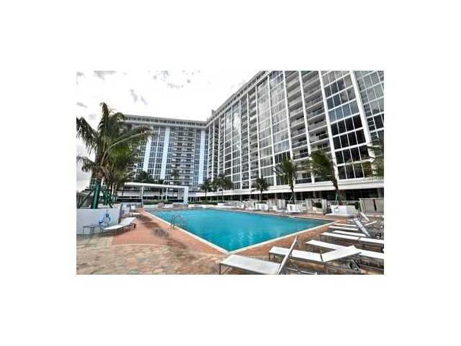 10275 COLLINS AV # 206, Bal Harbour, FL 33154