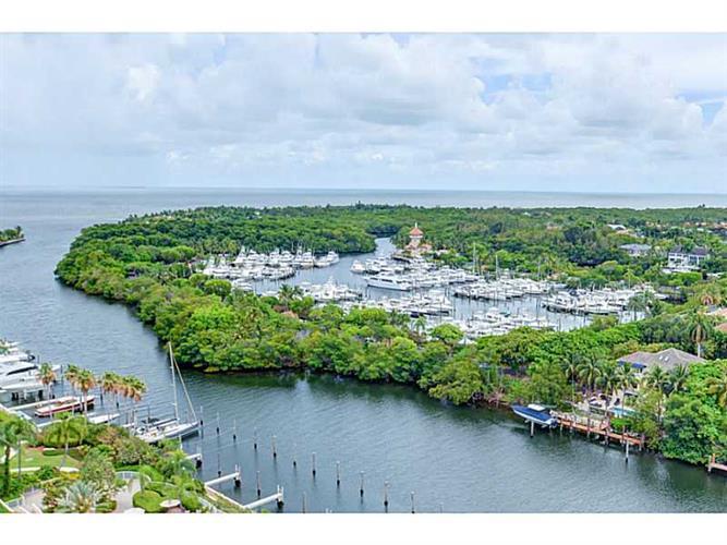 60 EDGEWATER DR # PH3C, Coral Gables, FL