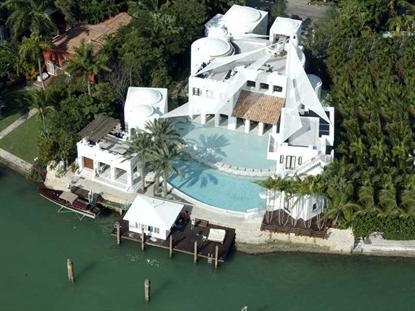 24 S HIBISCUS DR Miami Beach, FL MLS# A1923049